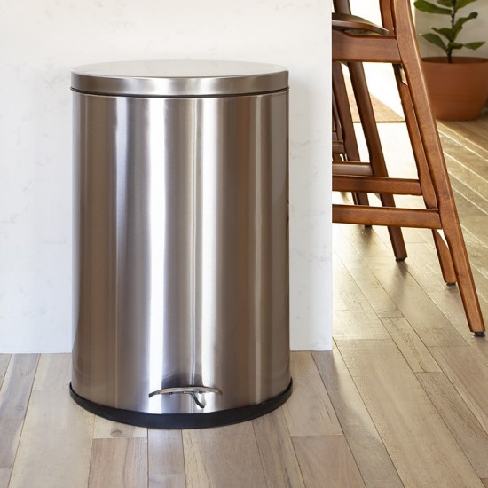 Stainless Steel Fingerprint Resistant Soft Close, Step Trash Can - 40L (10.6 Gallons)