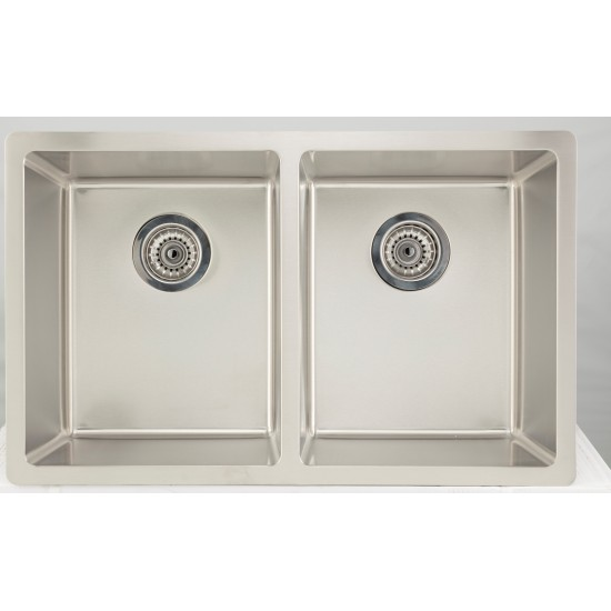 32-in. W CSA Approved Stainless Steel Kitchen Sink With Stainless Steel Finish And 18 Gauge